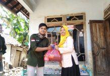 Kegiatan Bakti Sosial HMPS PMI, di Kecamatan Ajung, Jember (Sumber Foto: Yasin)