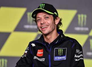 Valentino Rossi salah satu rider MotoGP dari tim Monster Energy Yamaha di nyatakan positif Corona. Jum'at, (16/10).