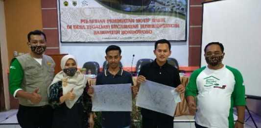 Pelatihan Pembuatan Motif Batik Desa Tegaljati, Kecamatan Sumberwringin, Kabupaten Bondowoso, pada Sabtu (3/10/2020). (Foto: Beritabaru.co/M Sufyan)