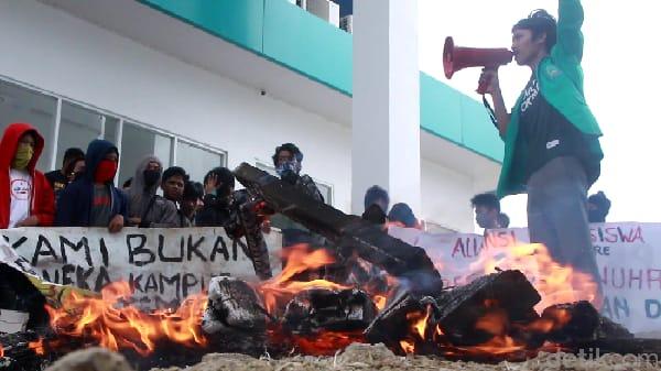 Sejumlah Aktivis mahasiswa IAIN Parepare akan turun aksi untuk mempertanyakan kerap mendapat ancaman pembubaran kegiatan. Rabu (25/11)