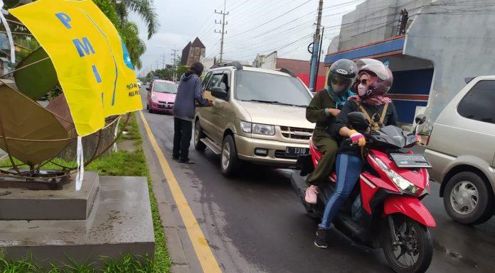 Aksi Galang Dana PMII Rayon Fakultas Dakwah (foto: Yazid)