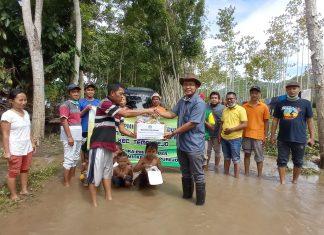PC IKAPMII Jember bersama PK IKAPMII Tempurejo melaksanakan program IKAPMII Jember Peduli korban banjir di Kecamatan Tempurejo. (Dok. Foto: IKAPMII Jember/Beritabaru.co)