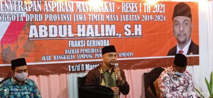 Abdul Halim anggota DPRD Jatim dari Fraksi Gerindra saat melakukan serap aspirasi di Desa Kaduara Timur Kecamatan Pragaan, Kabupaten Sumenep Rabu (03/03/2021) malam