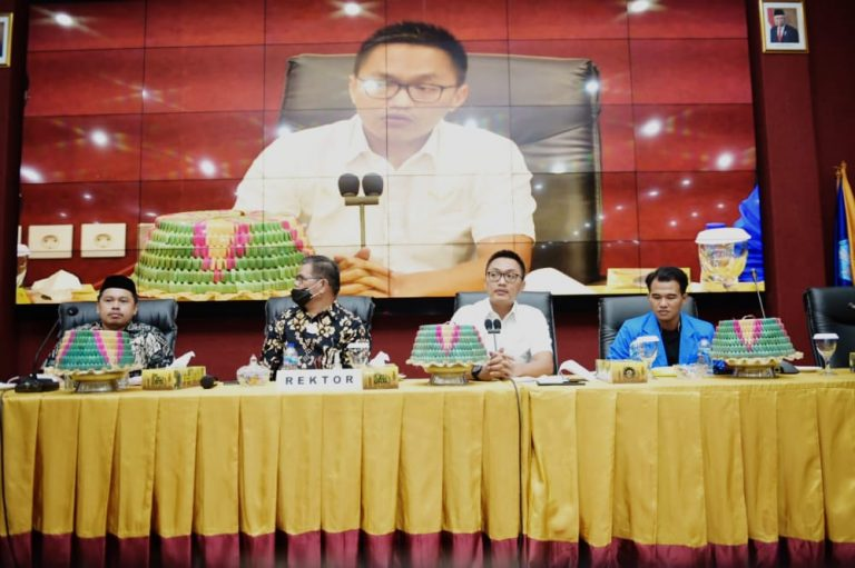 Gelar Dialog Interaktif, PKC PMII Sulsel Hadirkan Stafsus Presiden